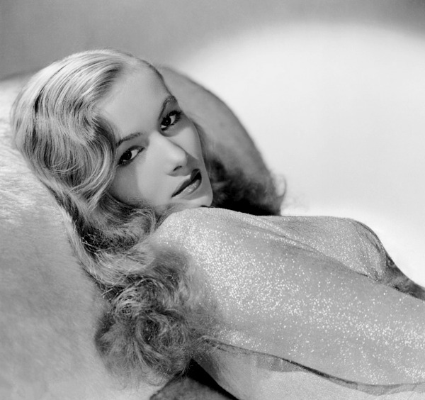 Veronica Lake in This Gun For Hire (1942)