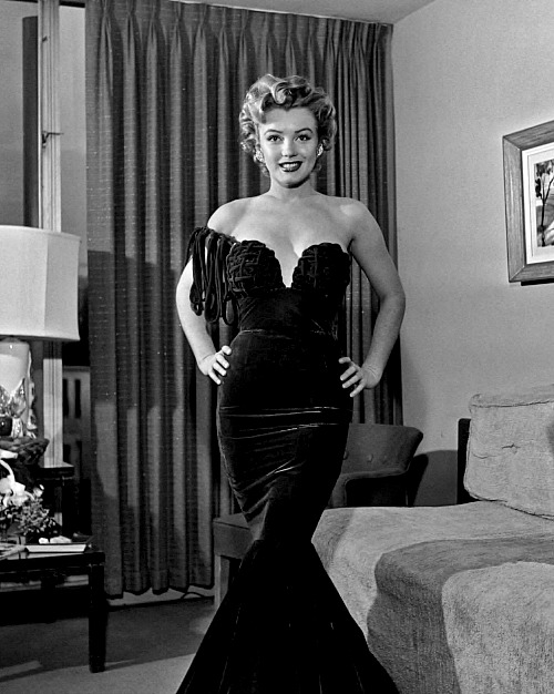 Marilyn at The Foreign Press Association of Hollywoods First International Film Festival on January 26th 1952.