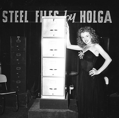 Marilyn's first assignment as a Hostess at an Idusty Show for The Blue Book Modelling Agency in 1945.