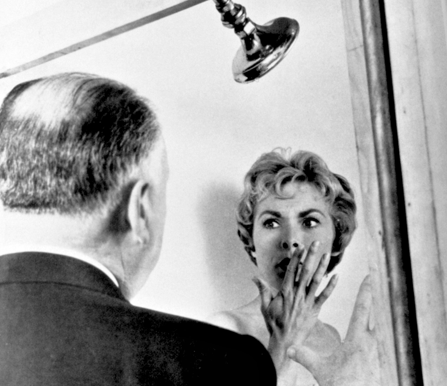 Alfred Hitchcock directs Janet Leigh in Psycho (1960)